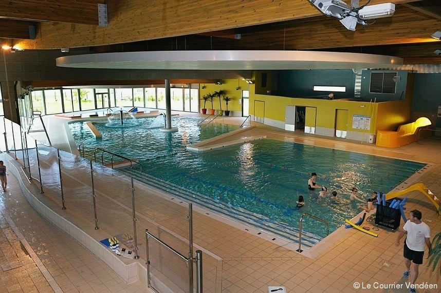 Challans la piscine se dessine article le courrier for Piscine publique